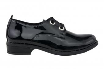 Дамски ежедневни  обувки от естествена кожа и лак