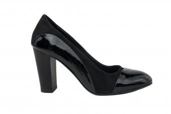 Дамски елегантни обувки от естествен велур и естествен лак