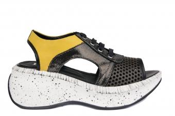 Дамски спортни сандали от естествена кожа