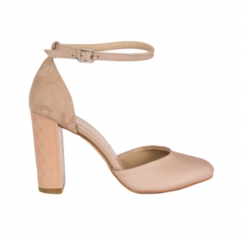Дамски елегантни обувки от сатен