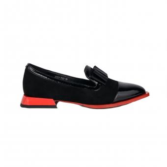 Дамски елегантни обувки от велур и лак
